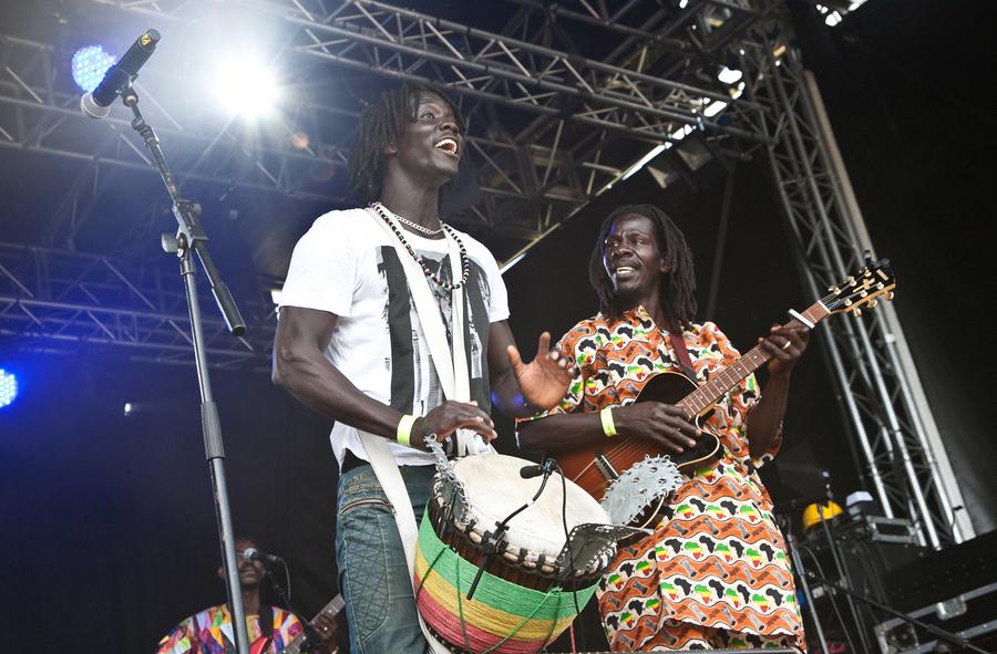 Africa Oyé 2014 – HAJAmadagascar & The Groovy People
