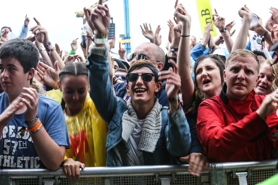 Crowd at Twin Atlantic on the Main Stage