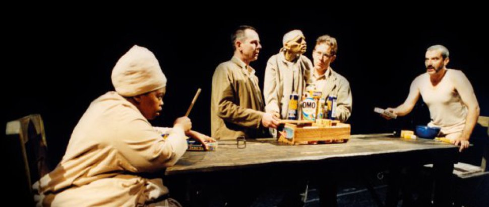 Handspring Puppet Theatre - Ubu and the Truth Commission