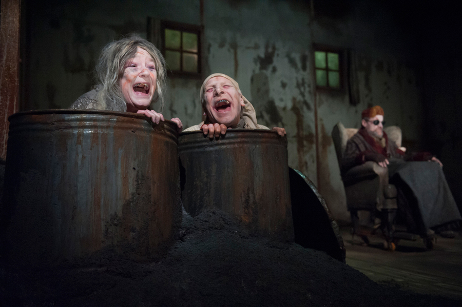 theatre of the absurd in waiting for godot