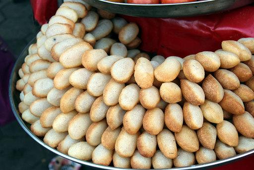 Paani puri, Delhi street food
