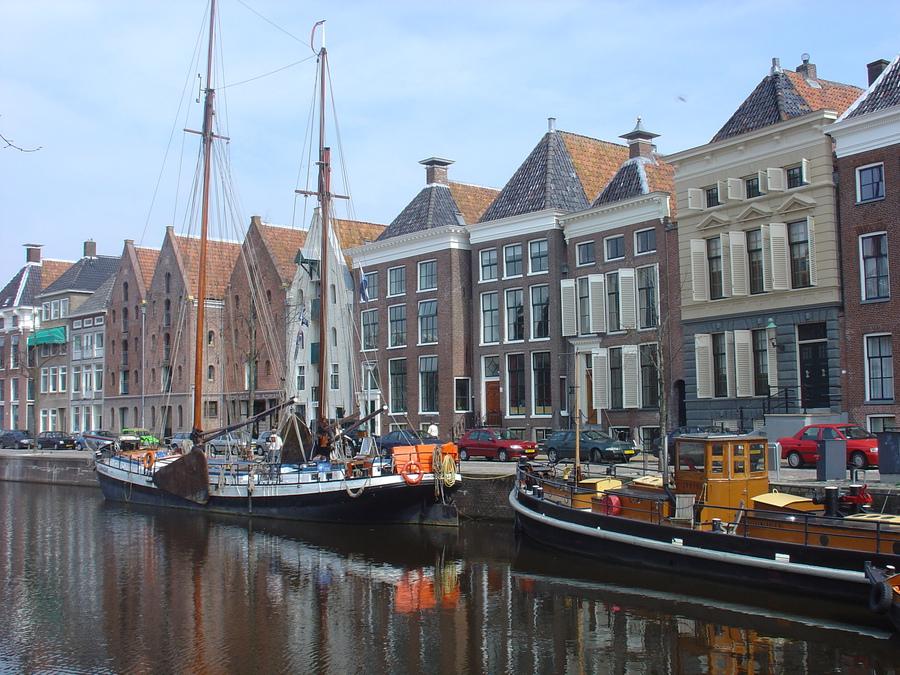 Canalside, Groningen