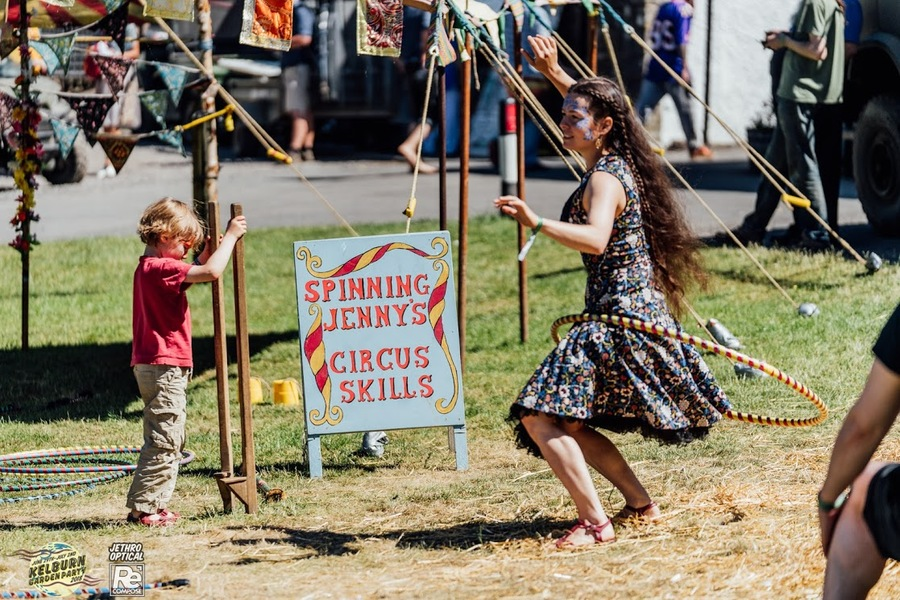 Spinning Jenny's Circus Skills at Kelburn Garden Party 2018