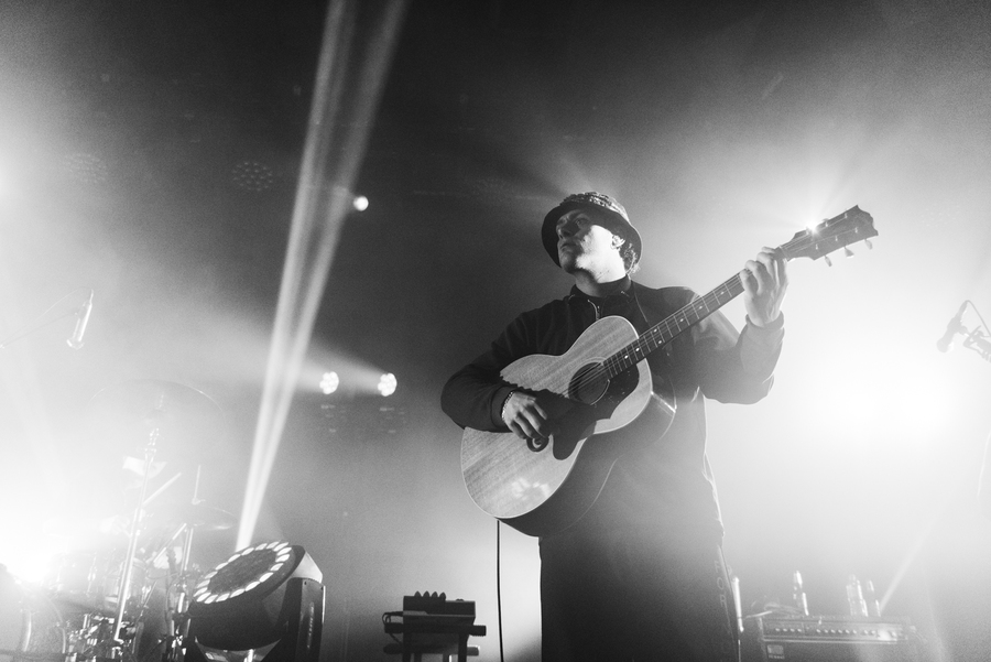 DMAs live at Barrowlands, Glasgow, 9 Dec