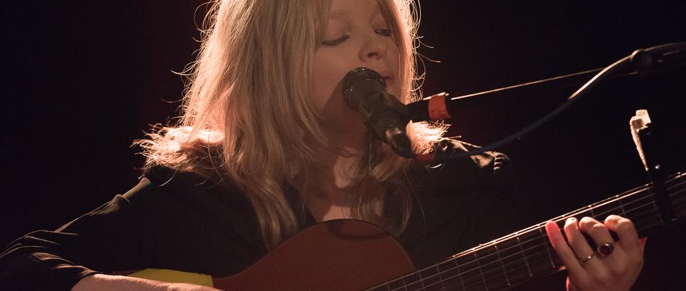 Jessica Pratt live at The Blue Arrow, Glasgow, 23 Mar