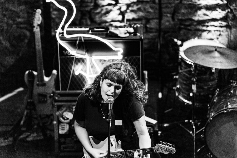Pip Blom live at The Caves, Edinburgh, 9 Oct