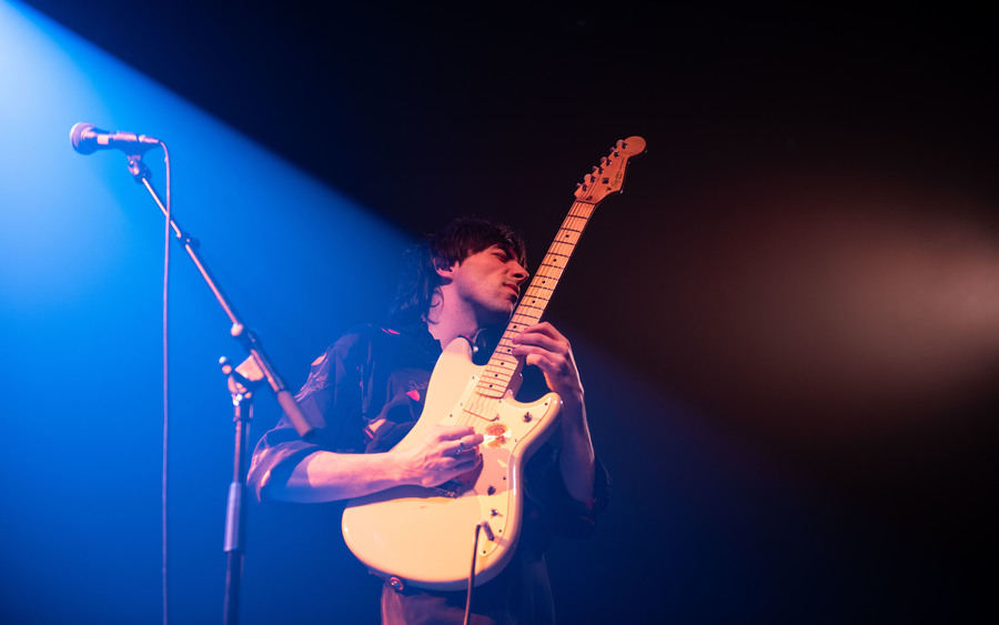 Aldous RH supporting Whitney live at QMU, Glasgow, 27 Nov