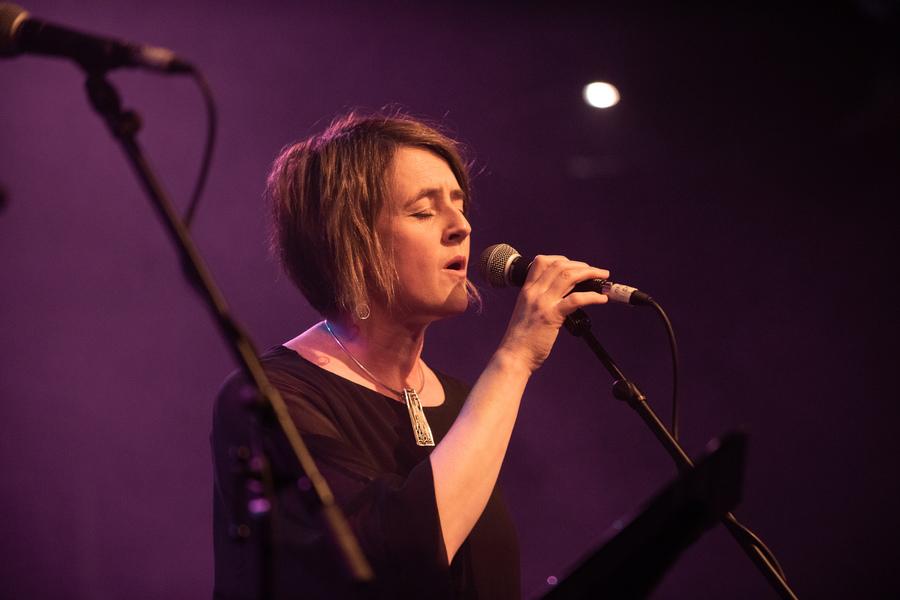 Karine Polwart live at Roaming Roots Revue, Old Fruitmarket, Glasgow, 27 Jan