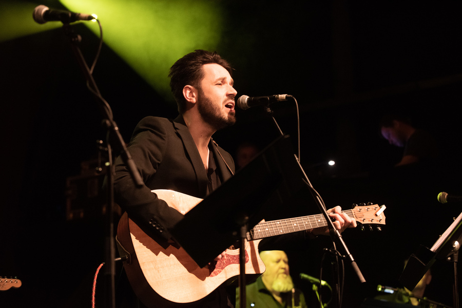 Roddy Hart live at Roaming Roots Revue, Old Fruitmarket, Glasgow, 27 Jan
