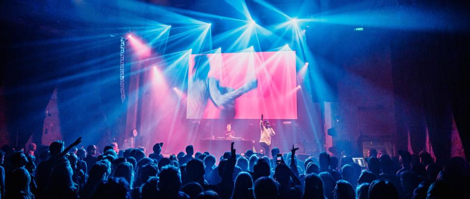 Flohio performing at Eurosonic Noorderslag 2020