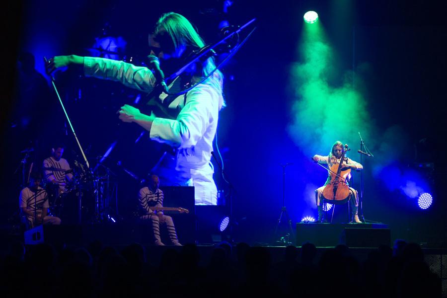 Cellist Maddie Cutter on stage during Anna Meredith's Edinburgh International Festival performance