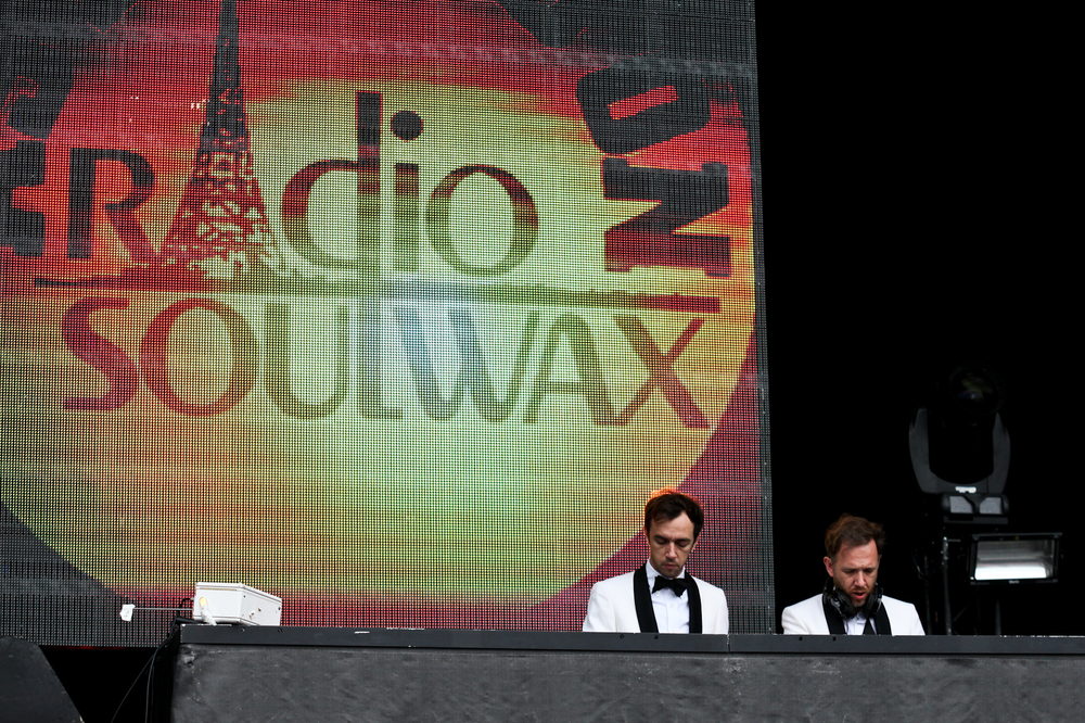 2 Many DJs