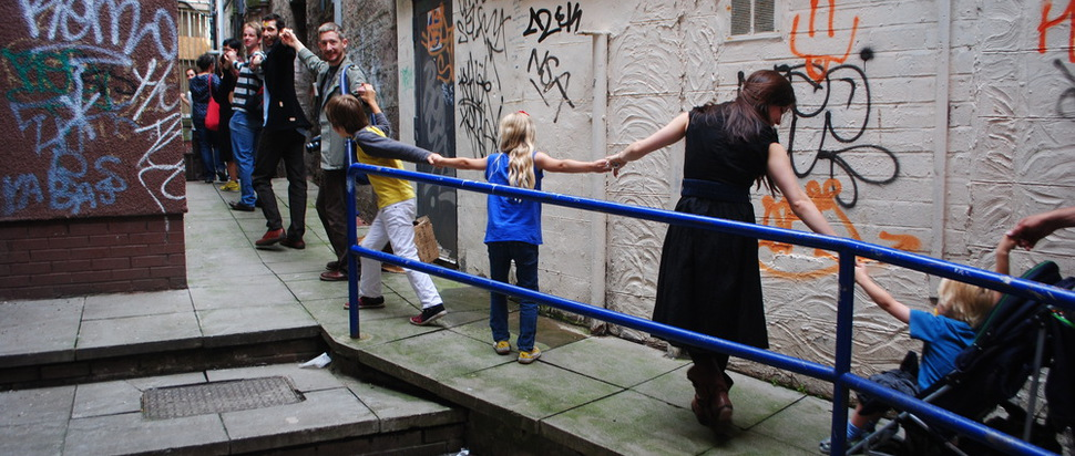 Scottish Dance Theatre, walk-dance through the streets of Dundee